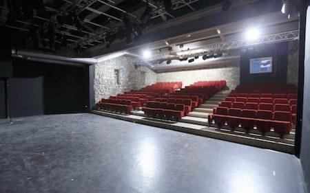 Salle de théâtre à Avignon - Salle de la Reine au théâtre du Roi René